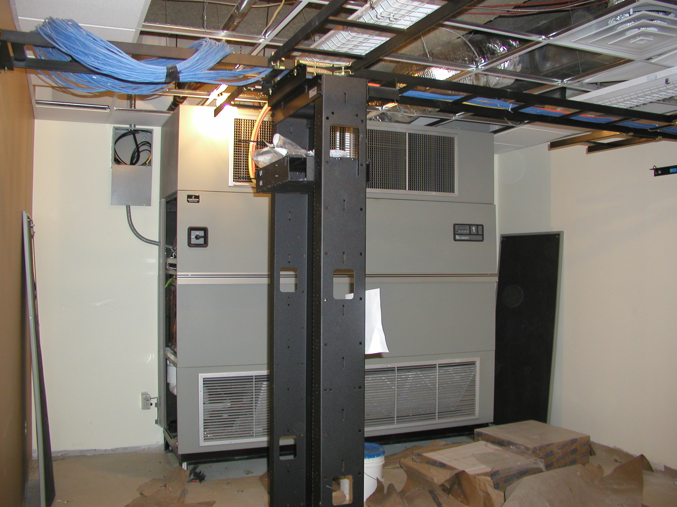 Server Room Air Conditioning : Brown cs images of the lab under construction