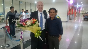 Airport welcom_Vinh2.JPG